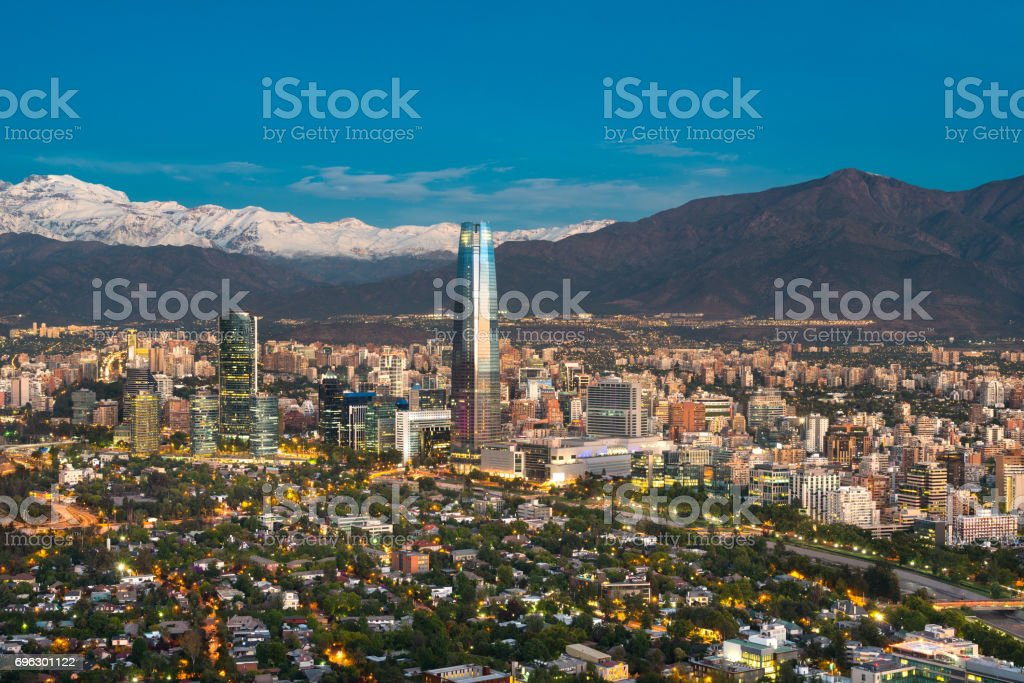 Santiago De Chile Stockfoto Und Mehr Bilder Von Abenddämmerung Istock