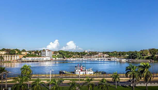 santo domingo harbor - columbus day zdjęcia i obrazy z banku zdjęć
