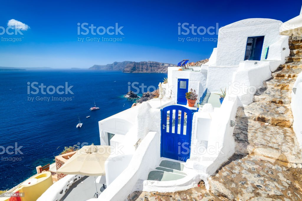 Santorini, Grécia - aldeia de Oia branco, Cyclades - foto de acervo