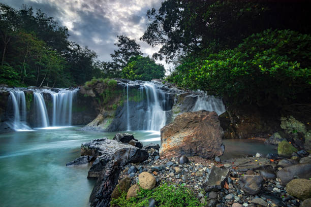 Sapaya waterfall sapaya waterfall, gowa, sulawesi selatan sulawesi stock pictures, royalty-free photos & images