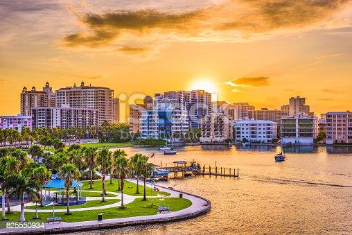 istock Sarasota, Florida, USA 825550934
