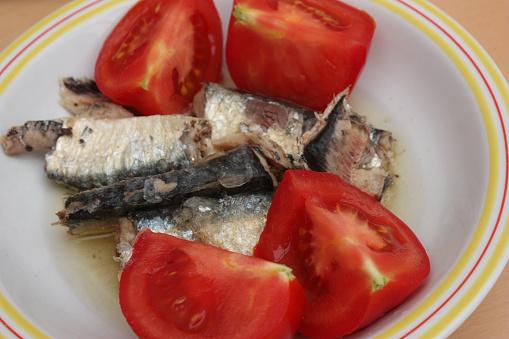 Sardienen In Olie Tomaten Uit De Tuin Stockfoto en meer beelden van Eten uit blik