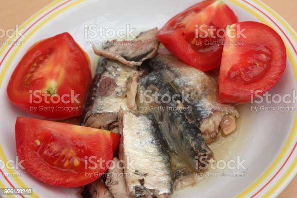 Sardiner I Olja Tomater Från Trädgården-foton och fler bilder på Aperitif - Måltid