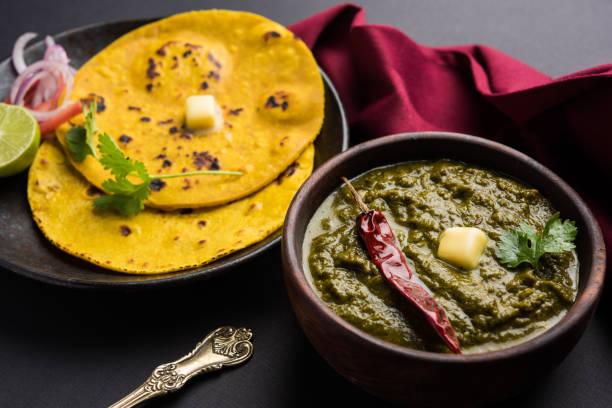 Sarson Ka Saag Makki Ki Roti beliebte nordindischen Hauptgang Menü in der Regel in der Wintersaison vorbereitet – Foto