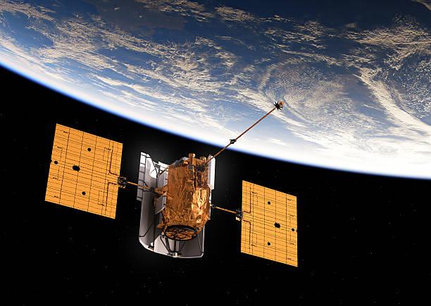 satellite orbitare terra - esplorazione spaziale foto e immagini stock