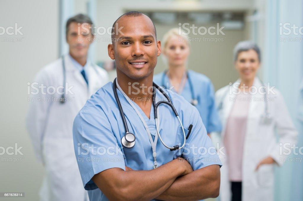 満足の男性看護師 - 30代のロイヤリティフリーストックフォト