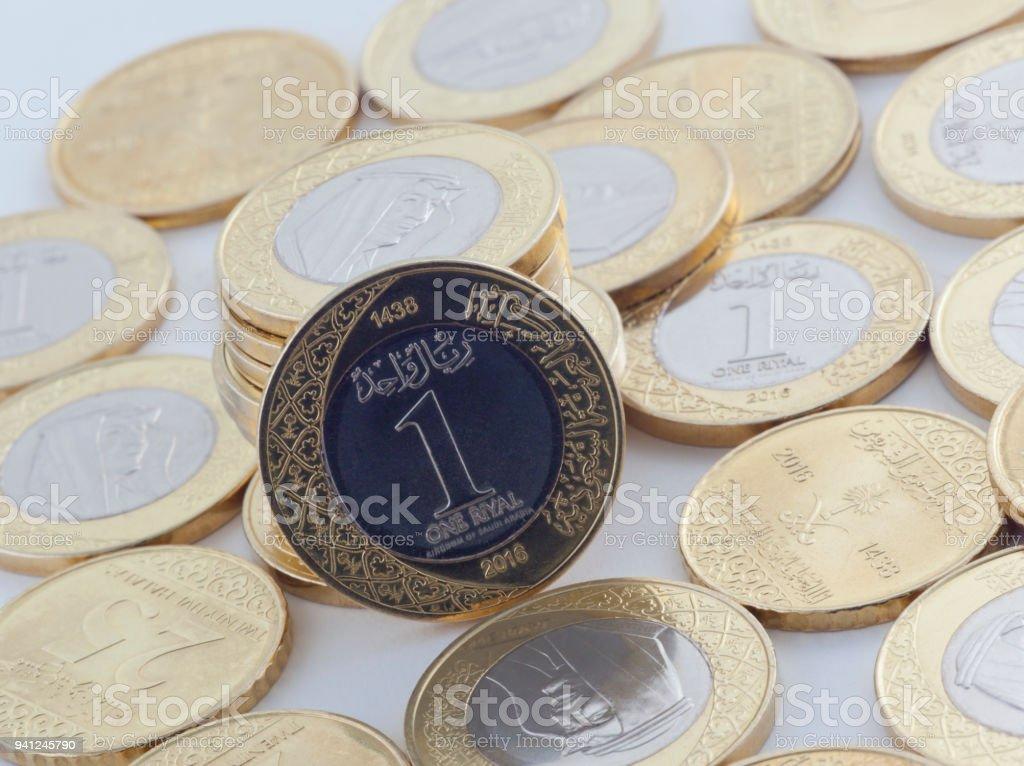 Saudi Riyal Und Halala Münzen Zeigen König Salman Von Saudi Arabien