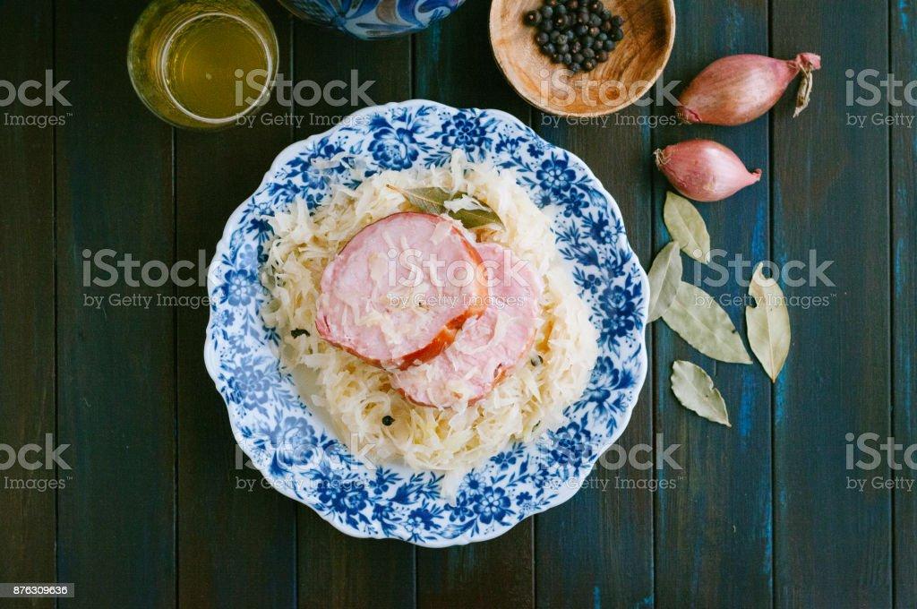 Sauerkraut und spareribs – Foto