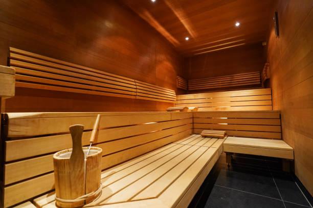 sauna warm bild - saunazubehör stock-fotos und bilder