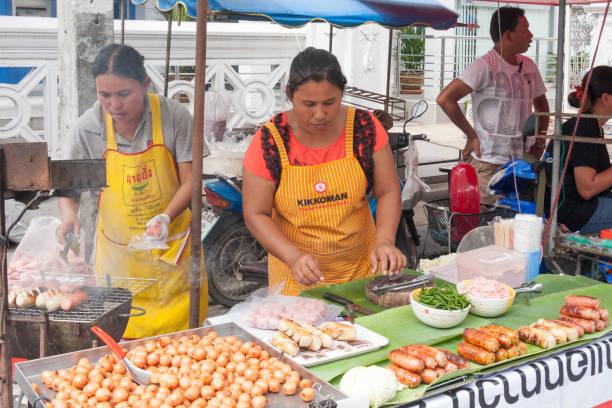 BBQ Wurst Straßenstand in Phuket (Thailand) – Foto