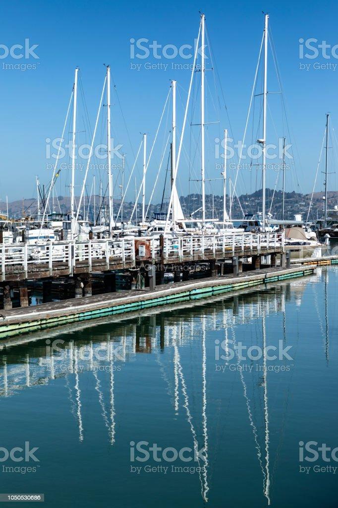 Sausalito Yacht Harbor Foto de stock y más banco de imágenes