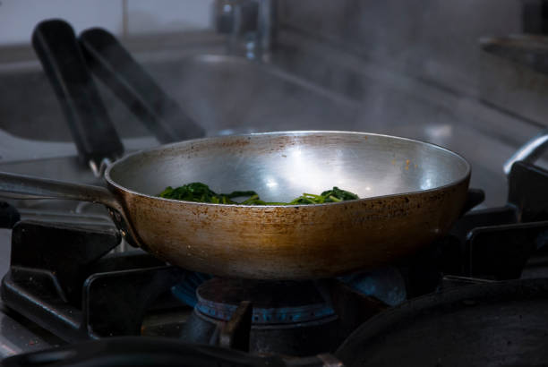 Sautéed vegetables in a pan - foto stock