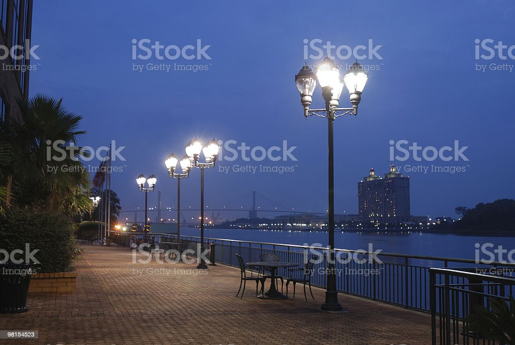 Fiume Savannah, Georgia davanti a notte foto stock royalty-free