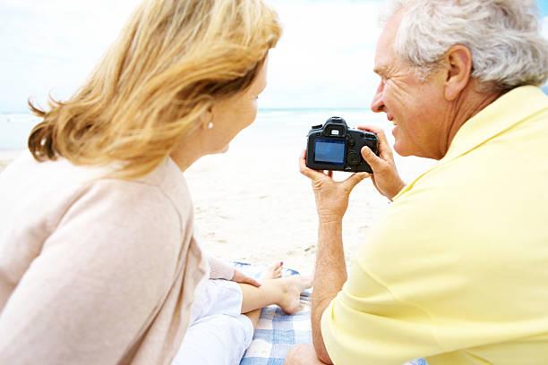 speichern ein unvergessliches fest forever - senior bilder wasser stock-fotos und bilder