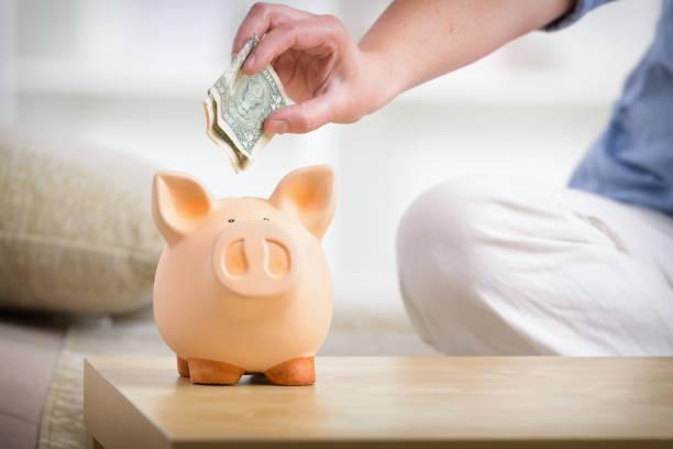 Geld sparen im Sparschwein – Foto