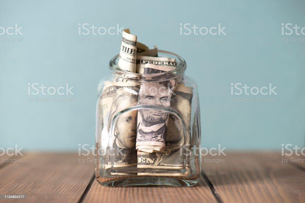 Para tasarrufu önemlidir - Royalty-free ABD Kağıt Parası Stok görsel