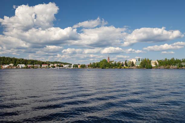 Savonlinna, Savonia del Sur, Finlandia - vista desde el lago Saimaa - foto de stock