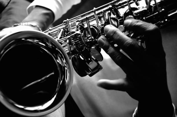 saksafon sesi - caz stok fotoğraflar ve resimler