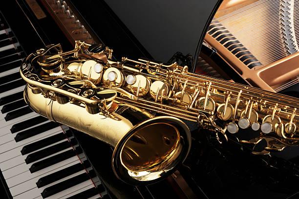 saxophone - caz stok fotoğraflar ve resimler