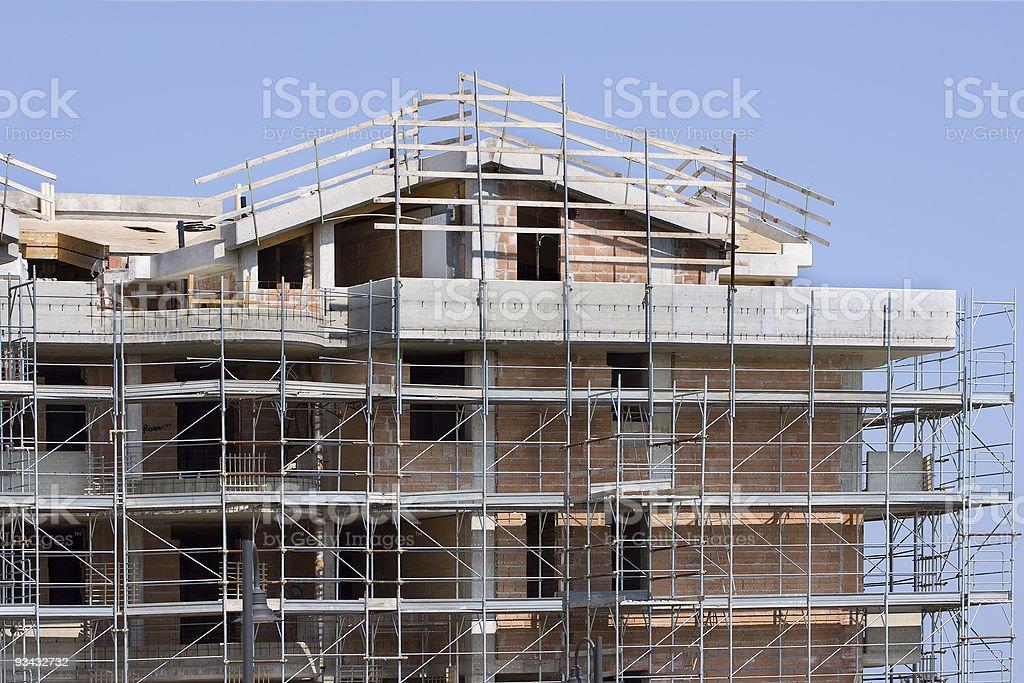 Scaffolded Gebäude im Bau Lizenzfreies stock-foto
