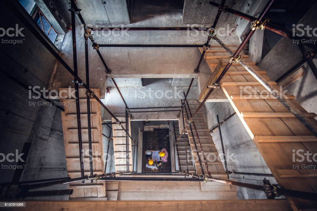 Baugerüst auf einer Baustelle  – Foto