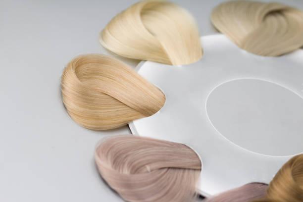 scandinavian hair samples. close up - capelli ossigenati foto e immagini stock