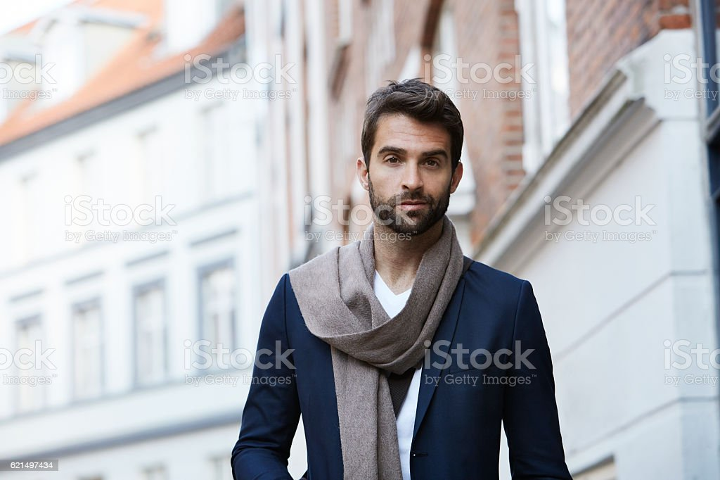 Scarf man looking at camera Lizenzfreies stock-foto