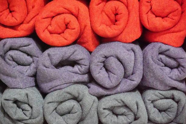 Schals in einem Geschäft – Foto