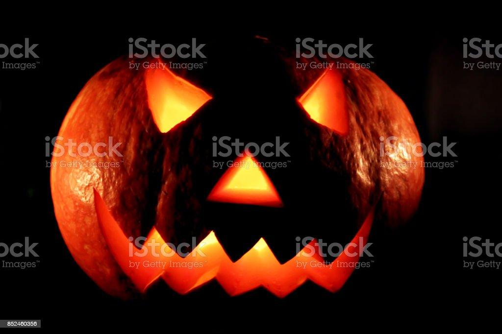 Brillantes de miedo halloween calabaza - foto de stock