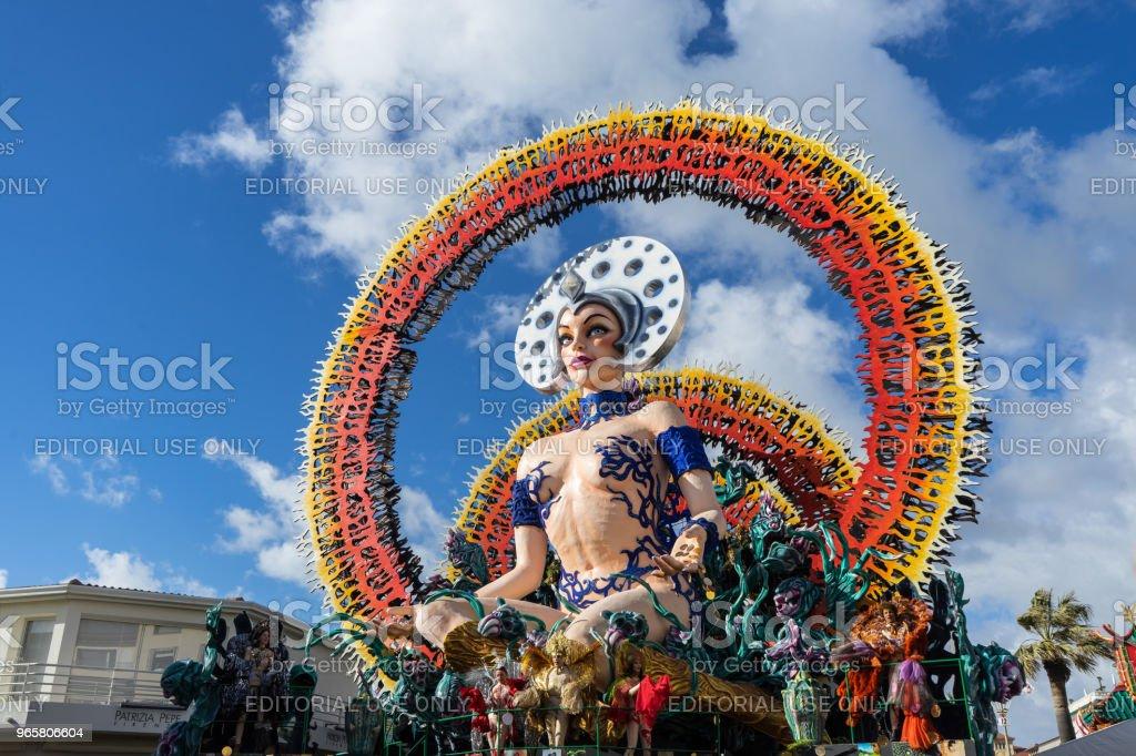 Schilderachtige en kleurrijke allegorische wagen tijdens carnaval, Viareggio, Italië - Royalty-free Carnaval - Feestelijk evenement Stockfoto