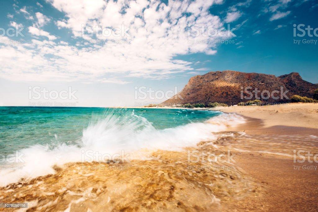 Scenic Beach Wallpaper Seaside Details With Splash Of Waves