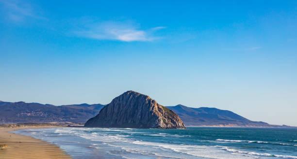 Panoramablick mit Felsen in der Bucht von Morro – Foto