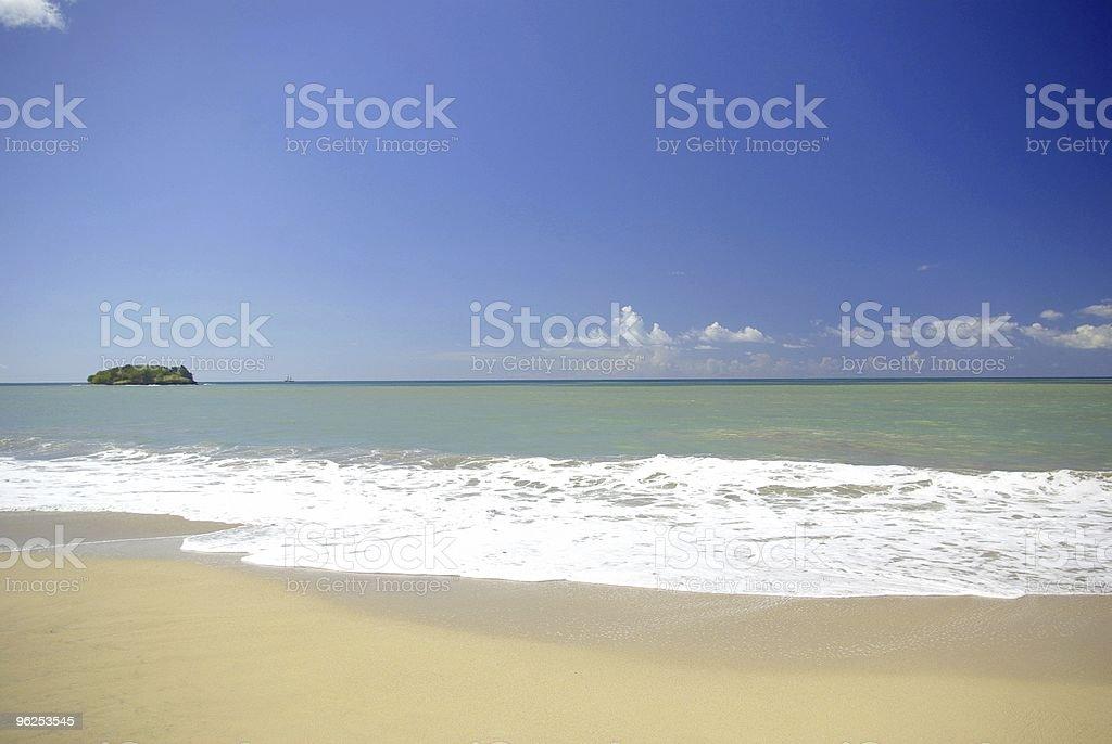 scenic desreted com vista da praia - Foto de stock de Azul royalty-free