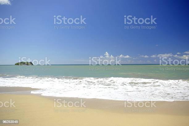Foto de Scenic Desreted Com Vista Da Praia e mais fotos de stock de Azul