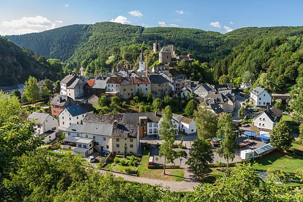 Malerische, Erhöhte Ansicht von escobar: paradise lost Stadt in Luxemburg – Foto