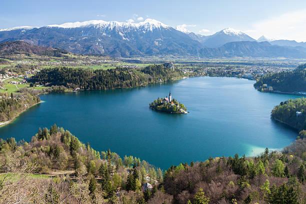 Malerische, erhöhten, Blick auf Bleder See, Slowenien in den Frühling – Foto