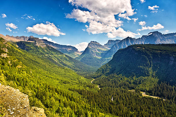 scenic going to the sun road, glacier national park, washington - going to the sun road stock pictures, royalty-free photos & images