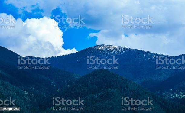 Foto de Cênica Altas Montanhas Com Neve e mais fotos de stock de Alpes europeus