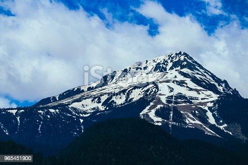 Scenic Mountain High Peaks With Snow - Stockowe zdjęcia i więcej obrazów Alpy