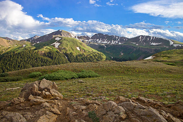 scenic mountain tops with snow patches - independence day stok fotoğraflar ve resimler