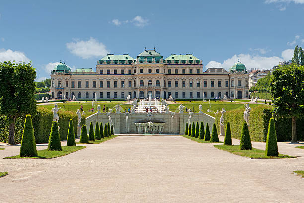 scenic photo of belvedere palace, vienna, austria - 奧地利 個照片及圖片檔