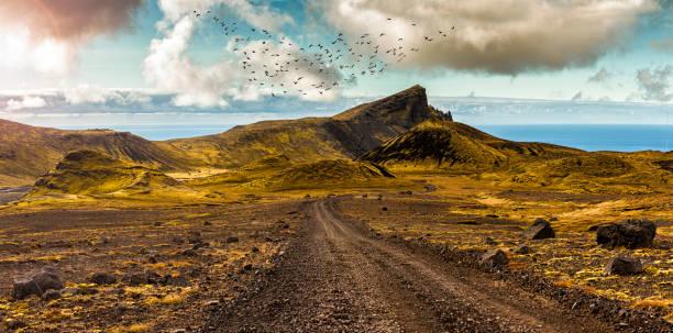 Panoramastraße und surreale Landschaft im Hochland der Halbinsel Snaefellsnes – Foto