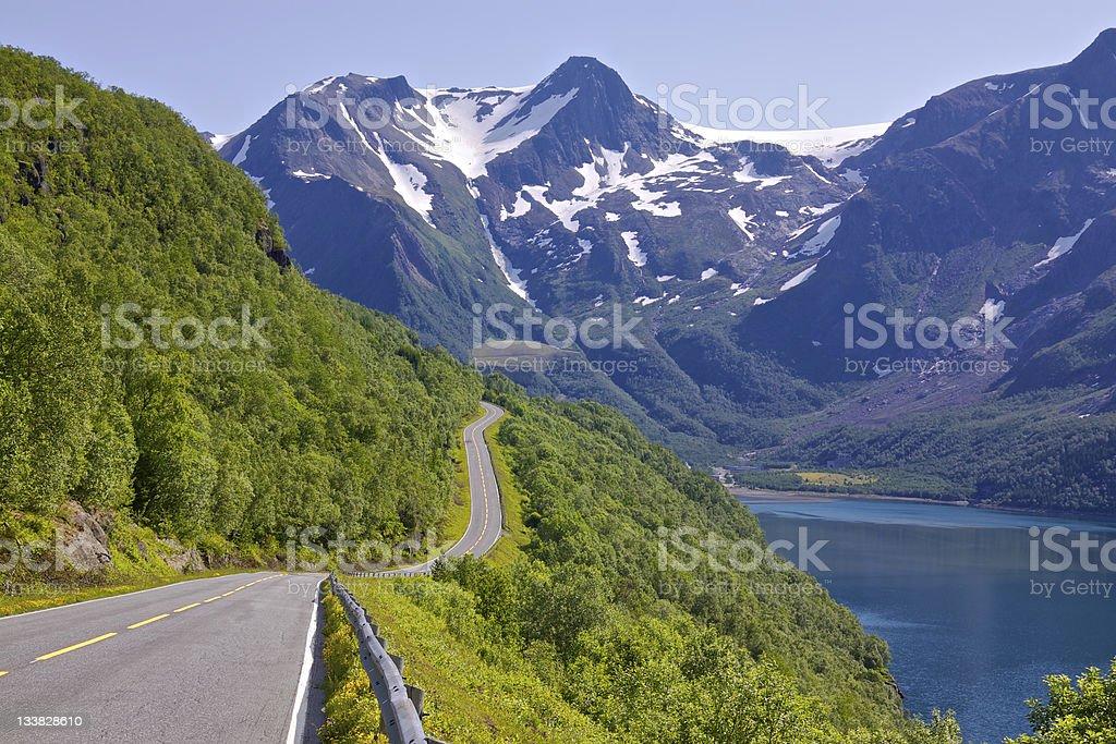 Ruta turística por fiordo - foto de stock