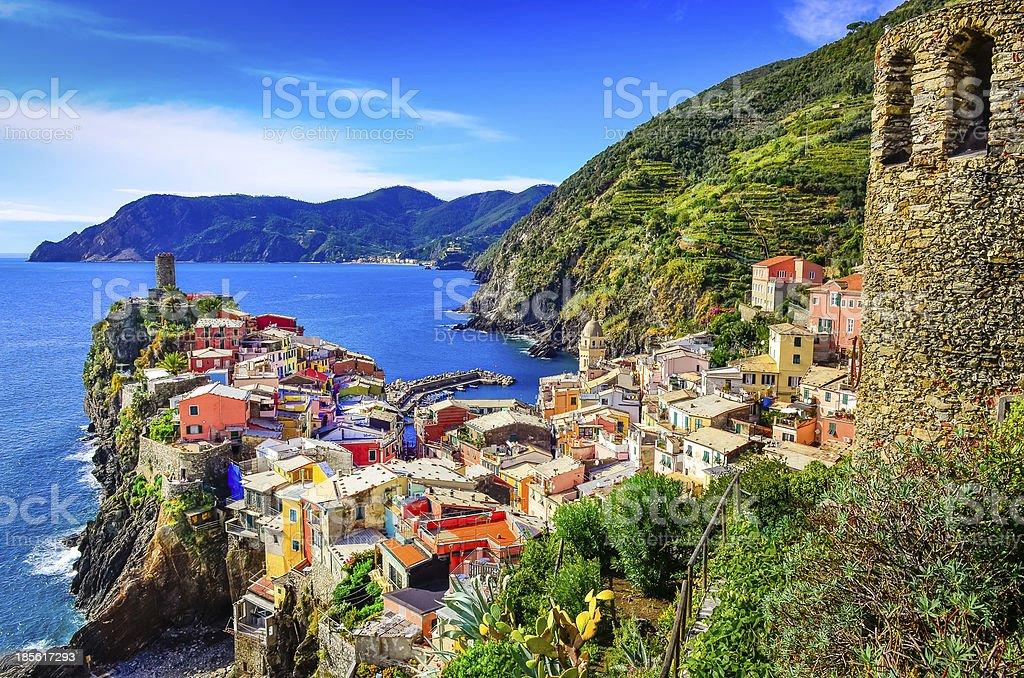 Scenic view of colorful village Vernazza and ocean, Cinque Terre stock photo