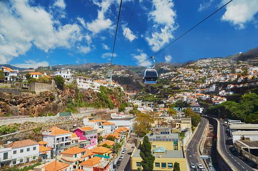 Scenic View Of Funchal Cable Car Madeira Portugal - Fotografias de stock e mais imagens de Arame