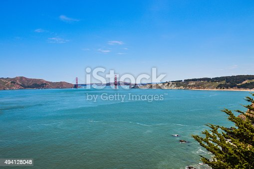 istock Scenic view of Golden Gate Bridge from Lands End Trail 494128048