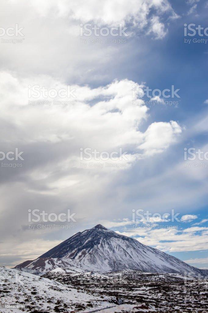 Vista panorâmica do vulcão de neve El Teide no inverno - foto de acervo