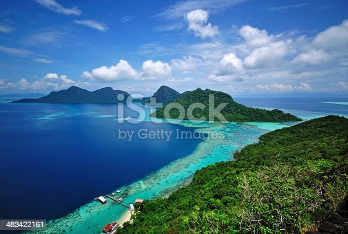 istock Scenic View of tropical islands Bohey Dulang Semporna, Sabah 483422161