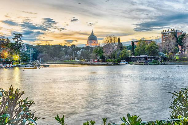 Vista panoramica sul lago di EUR di Roma, Italia - foto stock