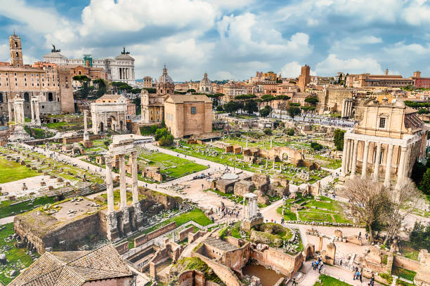 Scenic view over the ruins of the Roman Forum, Italy - foto stock
